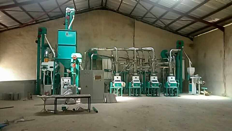 How was the visit of Zimbabwe customer for  100t/24h maize milling machine layout?